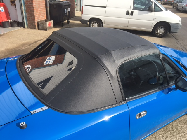 Vinyl roof with plastic zip out rear window - Mk1/2/2 5