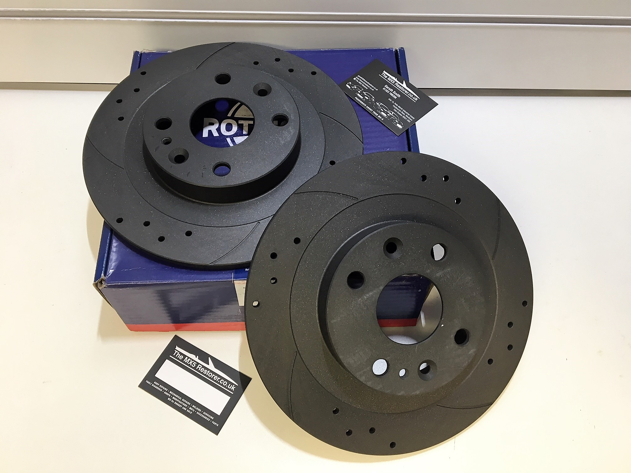 MX5 1.6 1.8 Drilled Grooved Brake Discs Front Rear Pads
